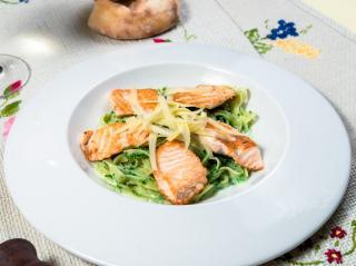 Со шпинатом и лососем