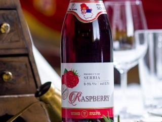 Вино из малины, полусладкое